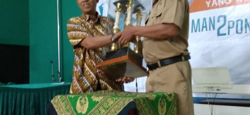 """ LUAR BIASA""  SMPN 1 KAUMAN JUARA UMUM SCIENCE AND ART COMPETITION DI MAN 2 PONOROGO"